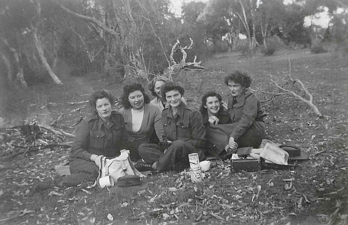 AWAS Group at Bibra Lake, 1944.